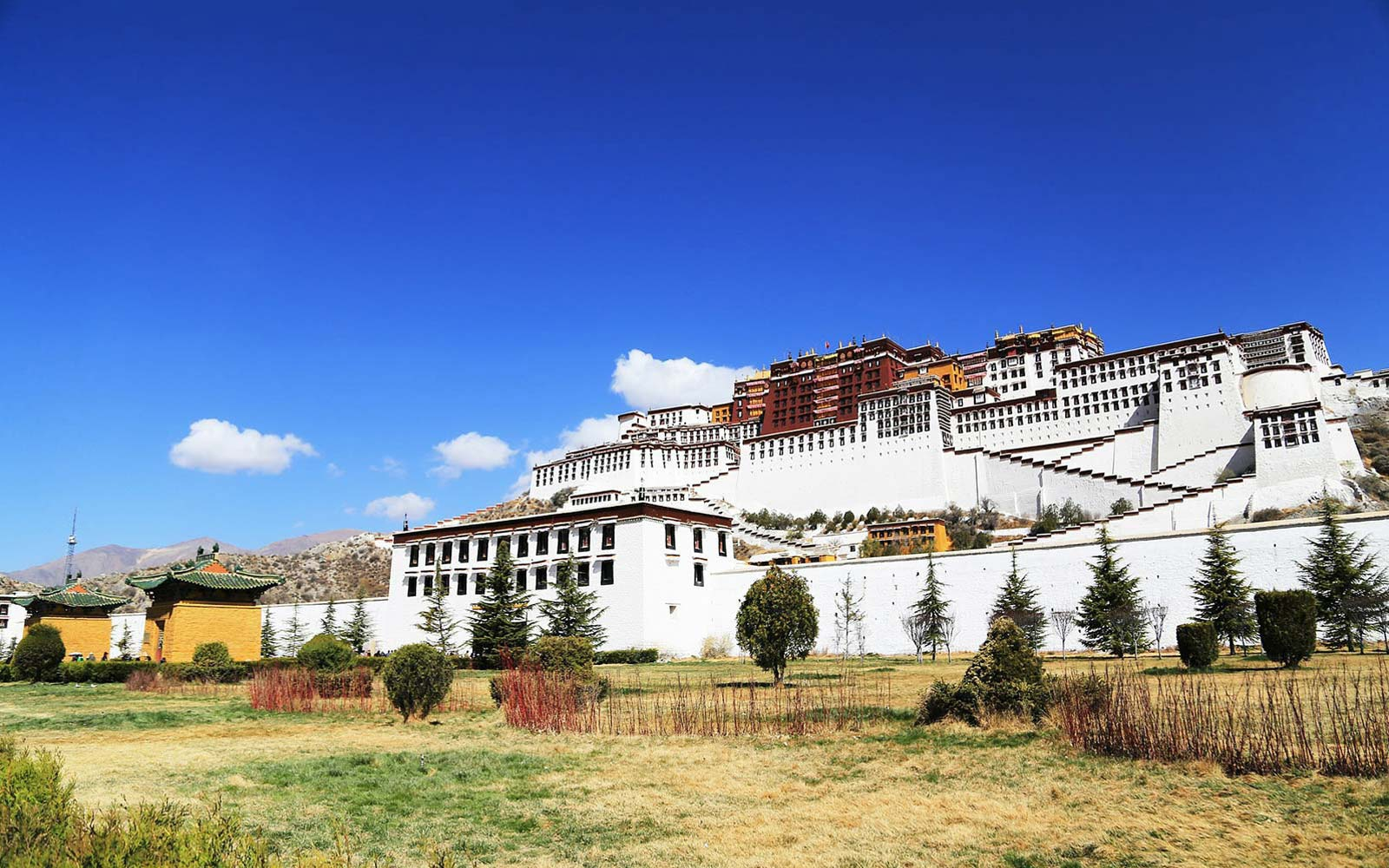 Nepal Tibet Bhutan Country Tour - What country is nepal in