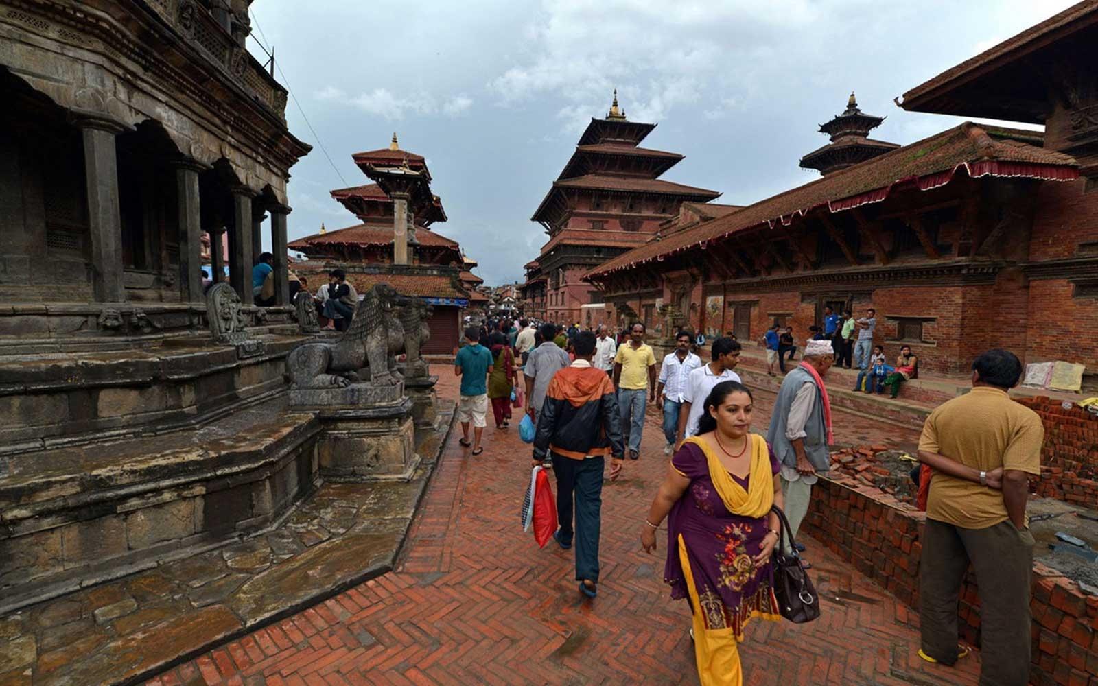 Kathmandu Pokhara Chitwan Nagarkot Tour